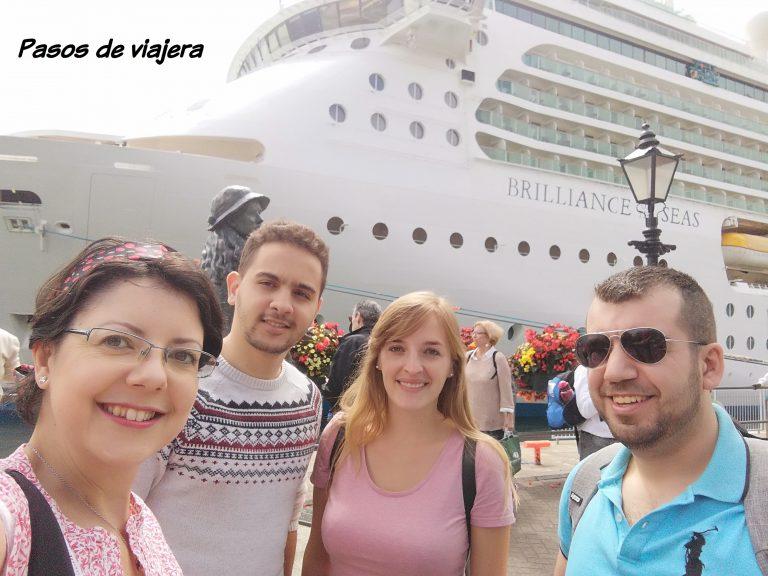 Cobh crucero pasos de viajera