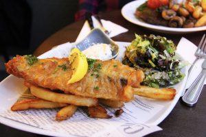 pescado frito-cork.irlanda-pasosdeviajera fish and chips