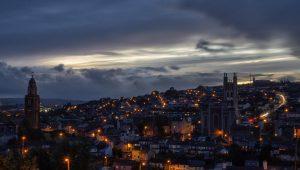 Foto de la ciudad Cork en Irlanda de noche